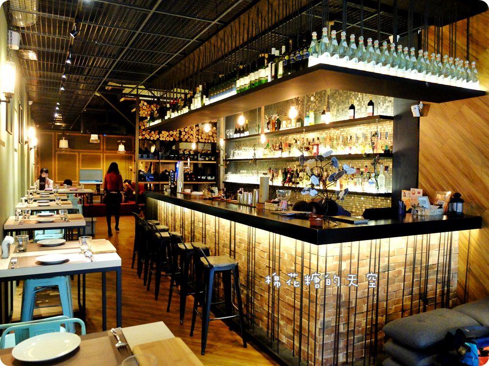 20170614034515 19 - 熱血採訪|台中鐵克諾餐酒館慵懶氣氛大爆表!九點一到變身英式工業風酒吧~