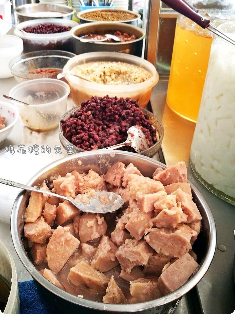 台中第五市場吃剉冰~鳳梨、粉圓、米苔目傳統剉冰最消暑