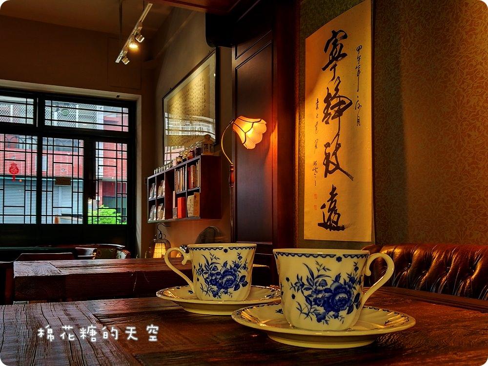 上海風咖啡廳在大里,亨利貞外帶好咖啡比小七還平價!