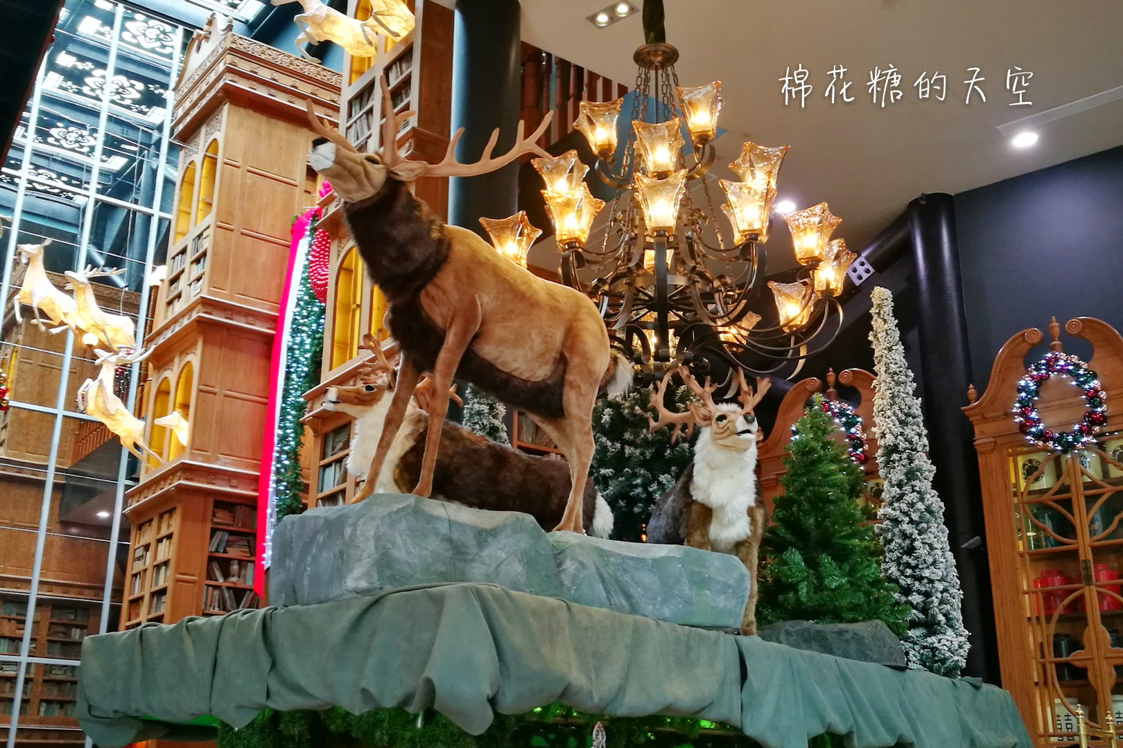 宮原眼科華麗過聖誕!浮誇系聖誕裝飾還會唱歌喔!