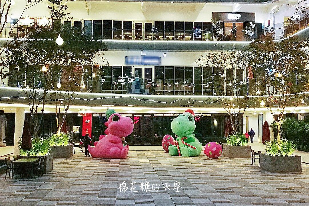 20171212120914 76 - IG瘋傳!萌翻天聖誕胖恐龍讓人少女心大爆發!