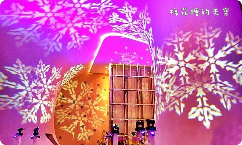 《台中活動》全台中最浪漫的聖誕活動就在這裡啦!台中國家歌劇院免費聖誕燈光秀12/17開始天天演出到12/25!還有免費聖誕音樂會唷!