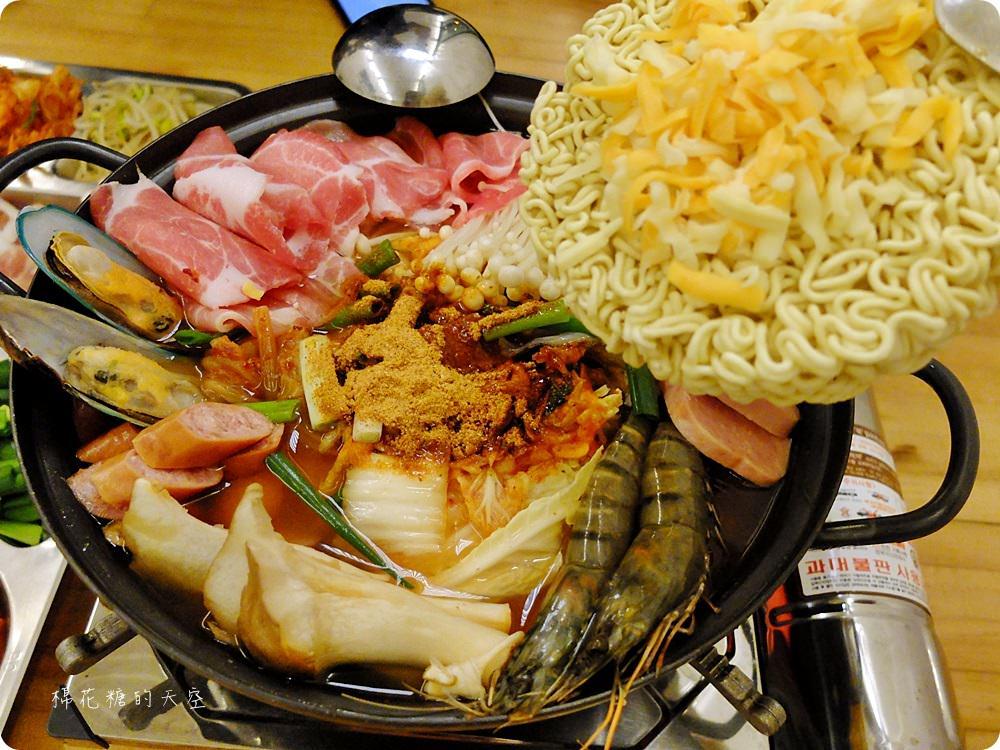公益路底暗藏夢幻498BBQ貨櫃餐廳,道地韓式鍋物、石板烤肉好滿足!