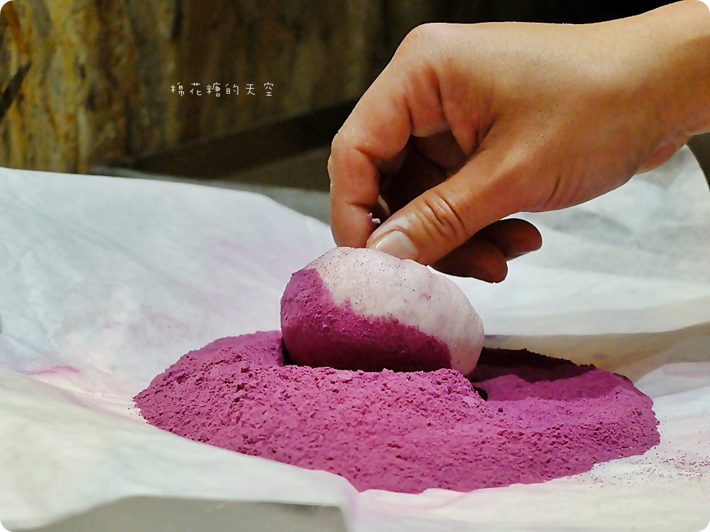 歐客佬週年慶大放送,五千個小韓吉麵包免費送!從內到外都有紫心地瓜喔