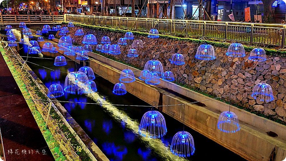 最新綠川水岸全攻略(附地圖),不只水母漂漂~浪漫落花隧道、放大發光蒲公英都美呀!