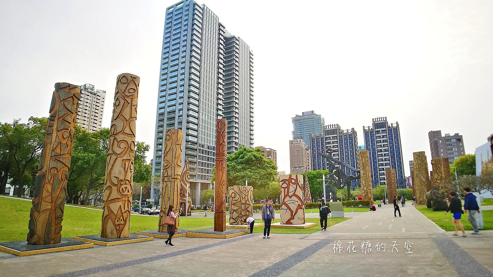 20180319190501 59 - 國立美術館被外星人佔據了?!五層樓高巨型雕塑被巨木圍繞好像電影場景!吳炫三回顧展