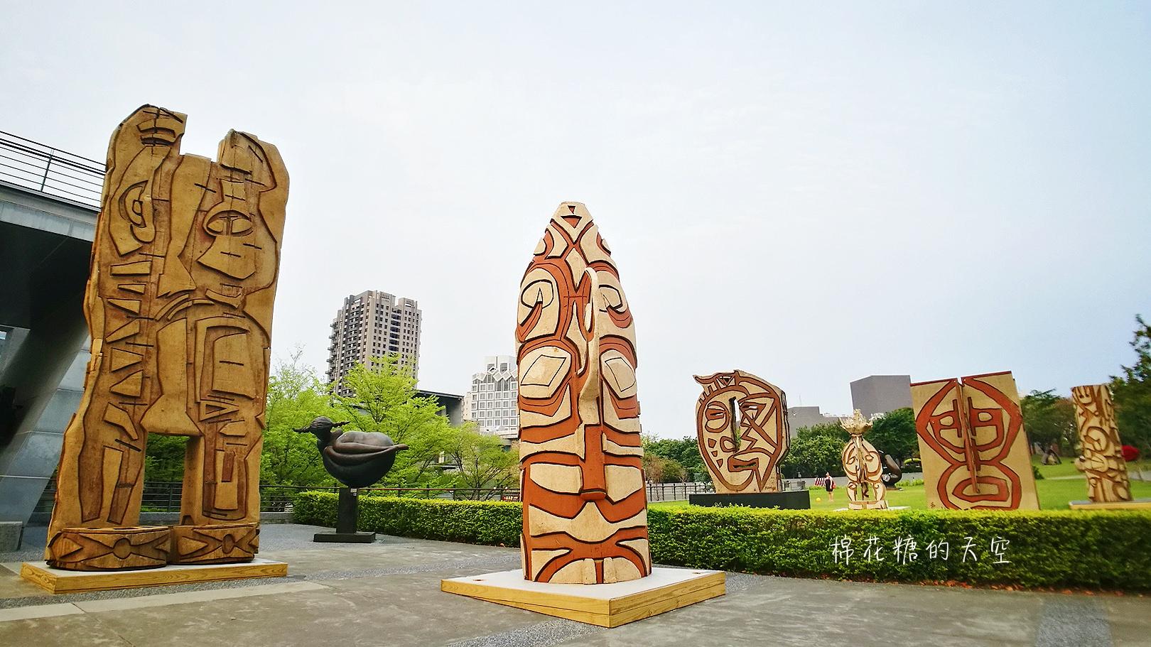 20180319190509 60 - 國立美術館被外星人佔據了?!五層樓高巨型雕塑被巨木圍繞好像電影場景!吳炫三回顧展