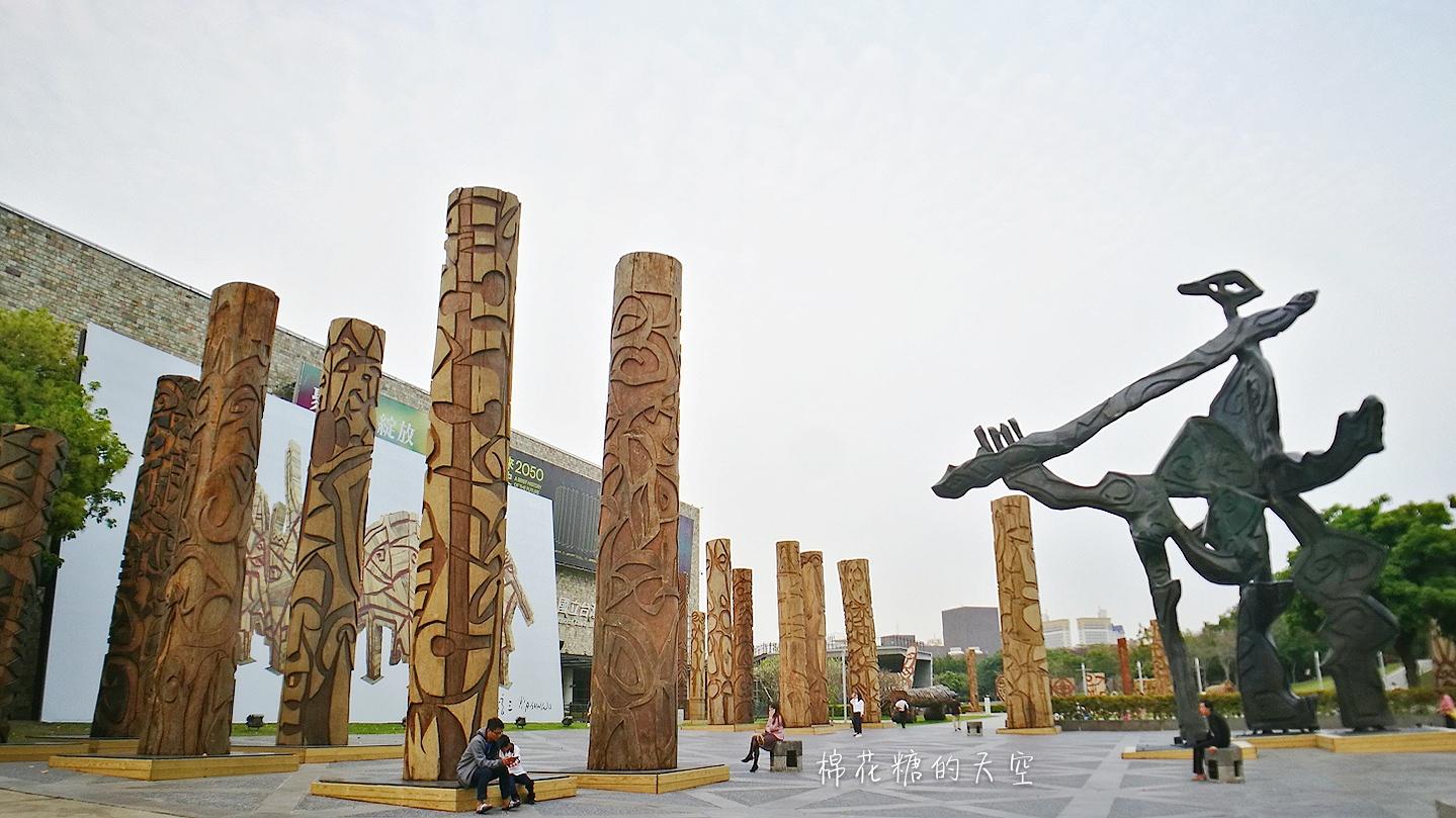 20180319190525 23 - 國立美術館被外星人佔據了?!五層樓高巨型雕塑被巨木圍繞好像電影場景!吳炫三回顧展