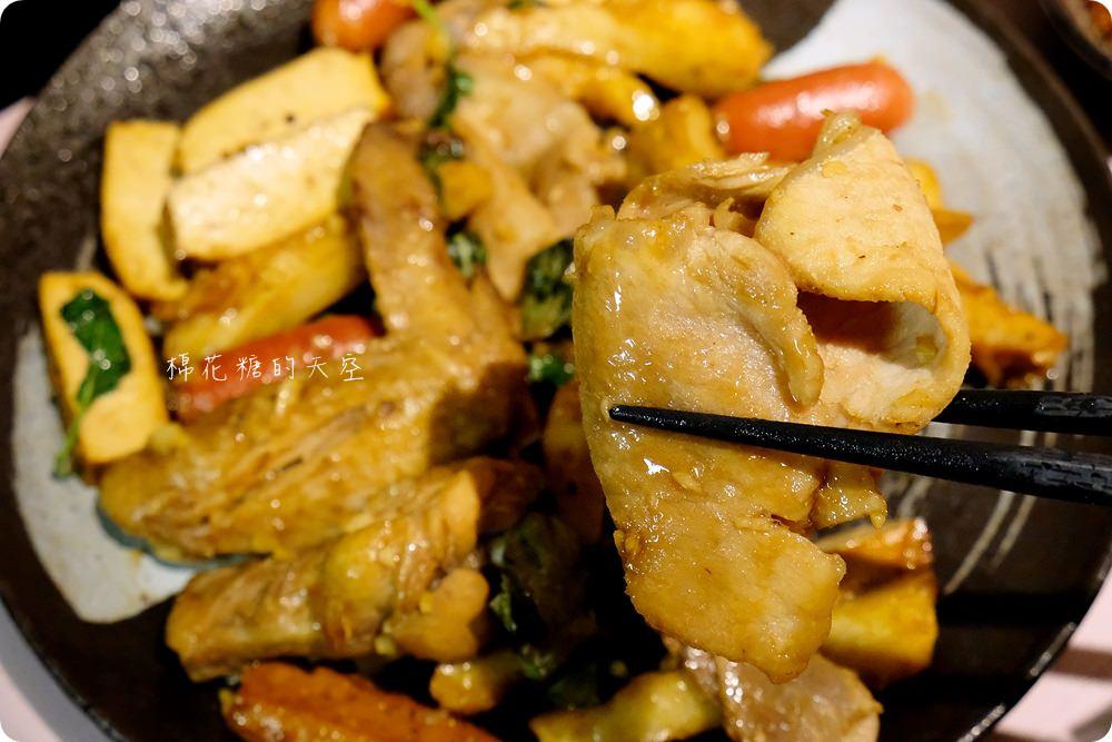 逢甲美食新推薦|滿大碗滷味不只滷,可炒、可炸、可麻辣、還有精燉老火湯!