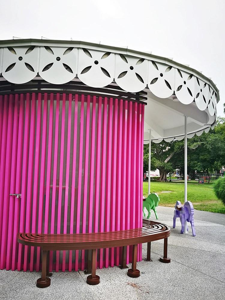 20180830180348 8 - 全台唯一五星級旋轉木馬廁所藏匿在台中公園!你上過了嗎?