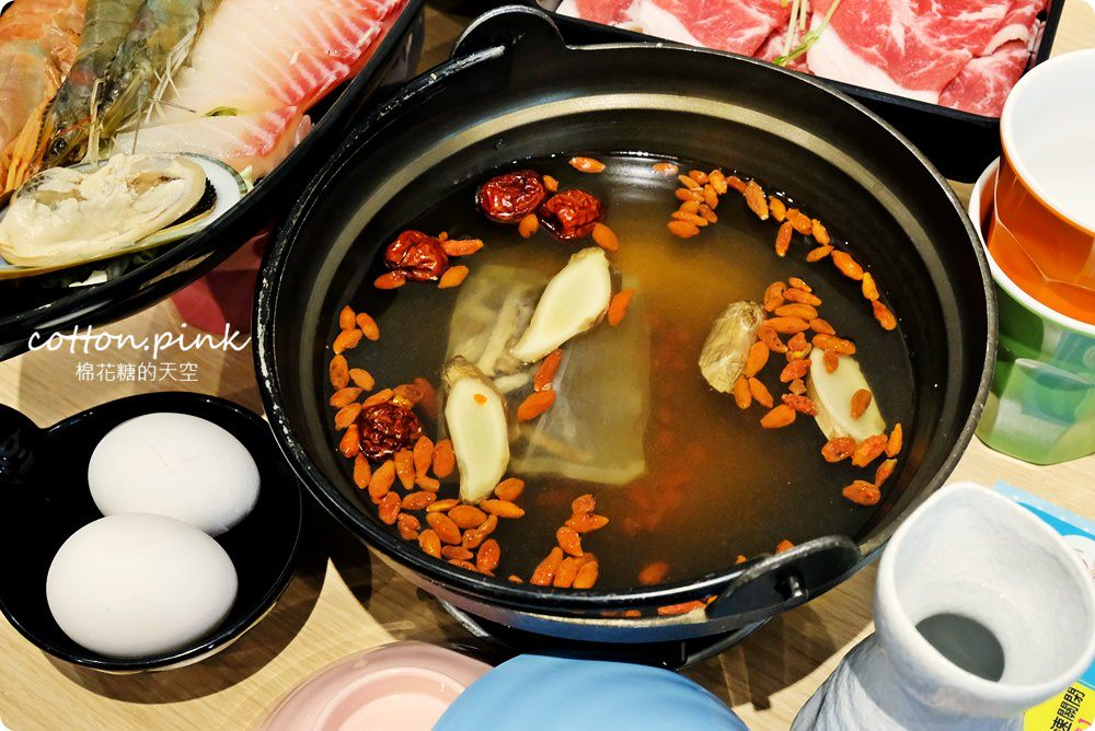 20180918054204 32 - 熱血採訪|台中火鍋推薦肉食族快來大樂鍋吃三大盤肉套餐,開到深夜十二點快來吃消夜