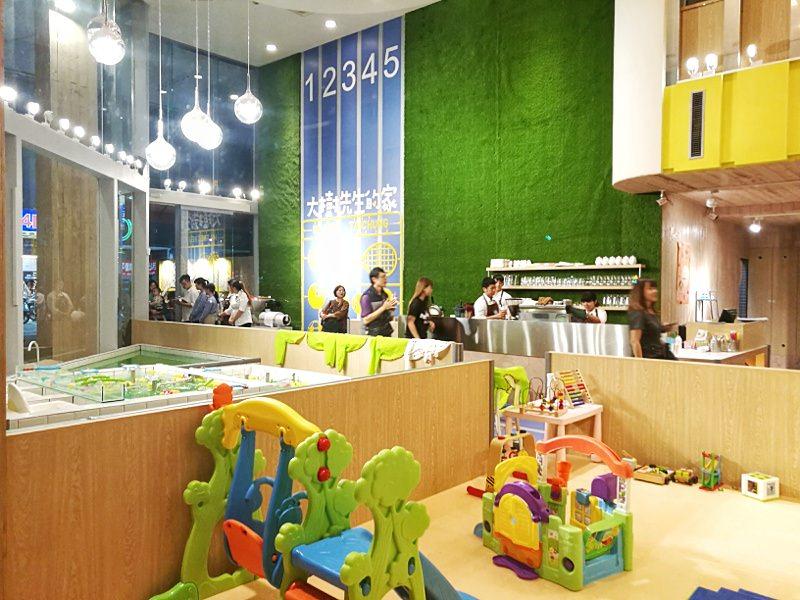 20181127222014 95 - 台中親子餐廳重新開幕,大樹先生台中店多種運動設備快帶孩子來放電