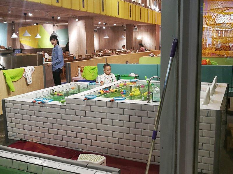 20181127222035 18 - 台中親子餐廳重新開幕,大樹先生台中店多種運動設備快帶孩子來放電