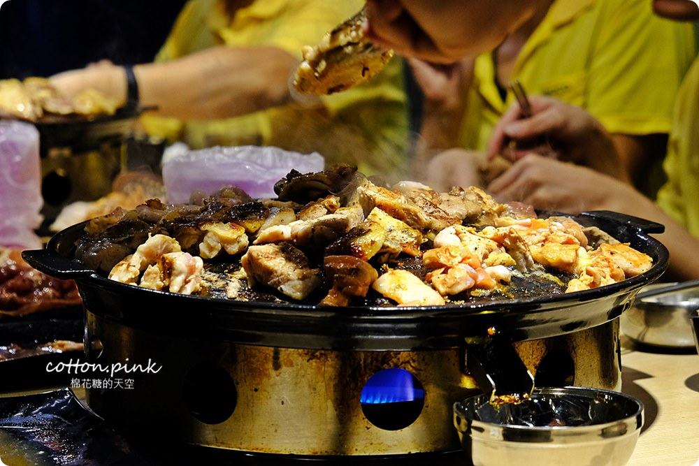 台中沙鹿韓式烤肉吃到飽!豬對有超狂肉山把我的胃淹沒啦~