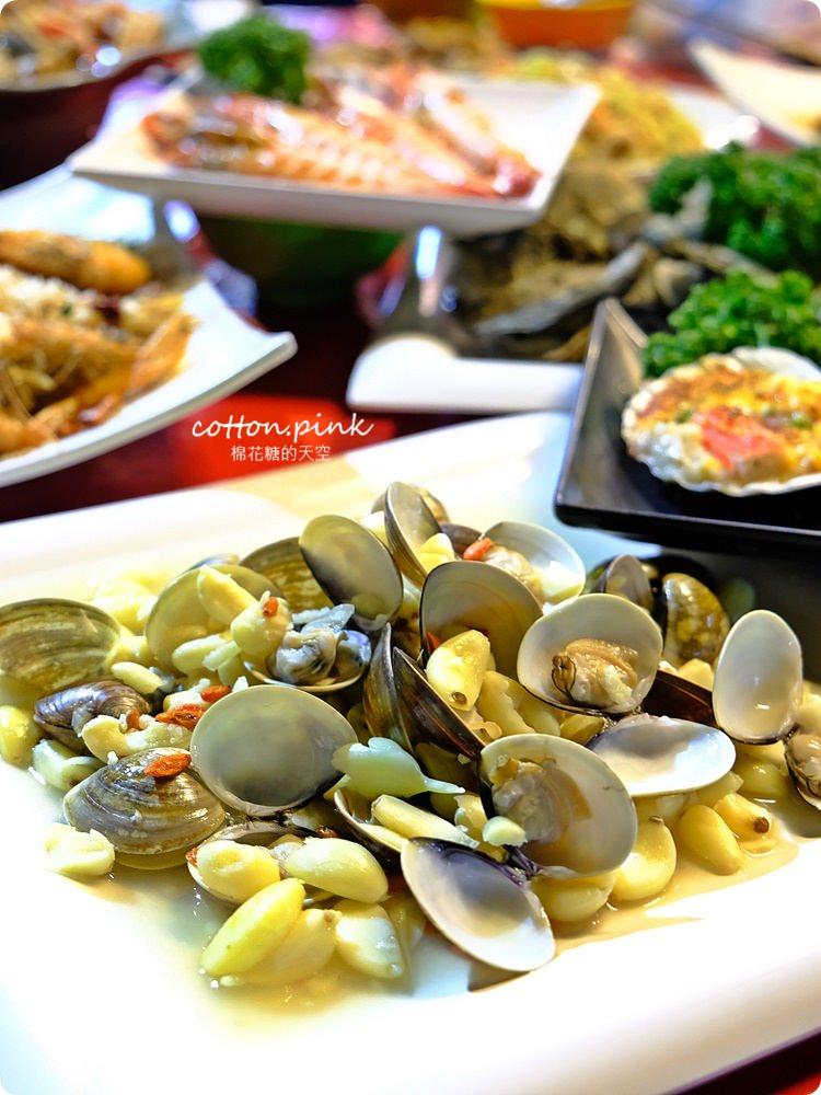 台中夜景餐廳新亮點-彩虹貨櫃屋裡大吃雞湯、砂鍋魚頭,那兩蚵換新裝囉