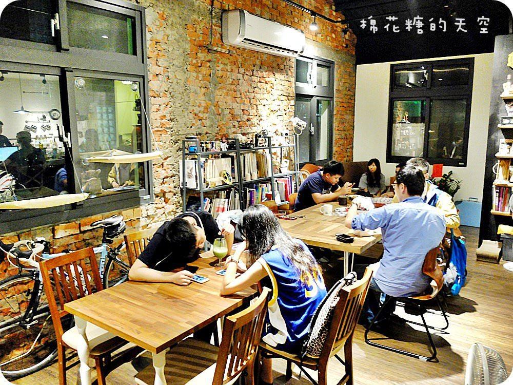 20190209152633 43 - 台中咖啡真心推薦~七家好店不只咖啡香,老宅、甜點、貓咪、腳踏車還有深夜限定的唷!
