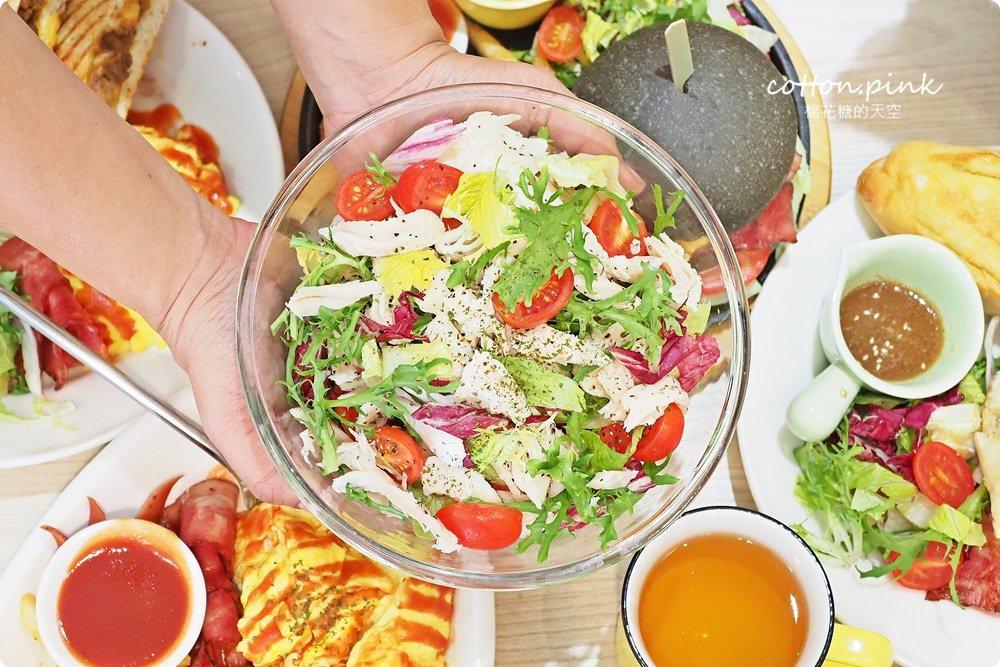 20190301054116 8 - 熱血採訪│台中超大份量早午餐,FUN輕鬆直接給你整條法國吐司