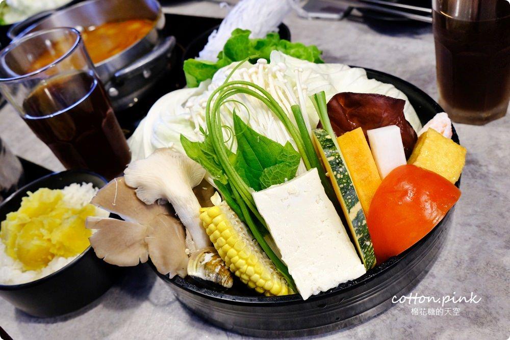 台中火鍋推薦|宇良食最新鍋底一台斤大蛤蜊現炒超級海味~過癮啊!