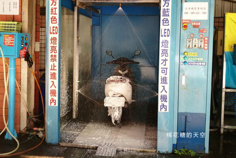 20190328223449 34 - 機車不用自己洗~台中一中旁自動洗車摩托車也能用!記得先看使用說明唷~