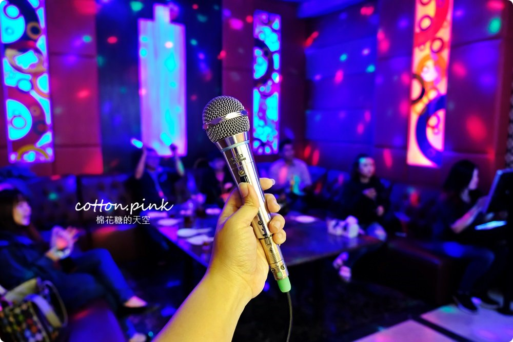 台中唱歌新選擇!尊龍KTV超級優惠便宜到嚇人!訂桌菜再享免費歡唱~