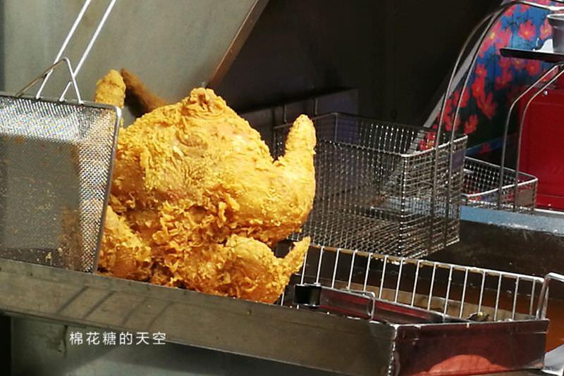 20190407214741 37 - 台中也有炸全雞!整隻雞炸到金黃酥脆太誘人~今天宵夜就到爆Q吃雞啦!