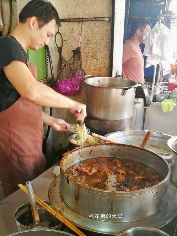 20190412222130 81 - 台中第五市場必吃阿彬爌肉飯-只有早餐吃得到隔壁就是太空紅茶冰