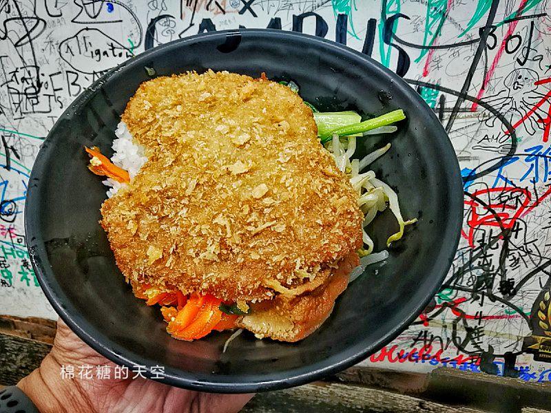 澎湖在地人推薦美食-讚哥燒肉飯就在馬公市區唷!