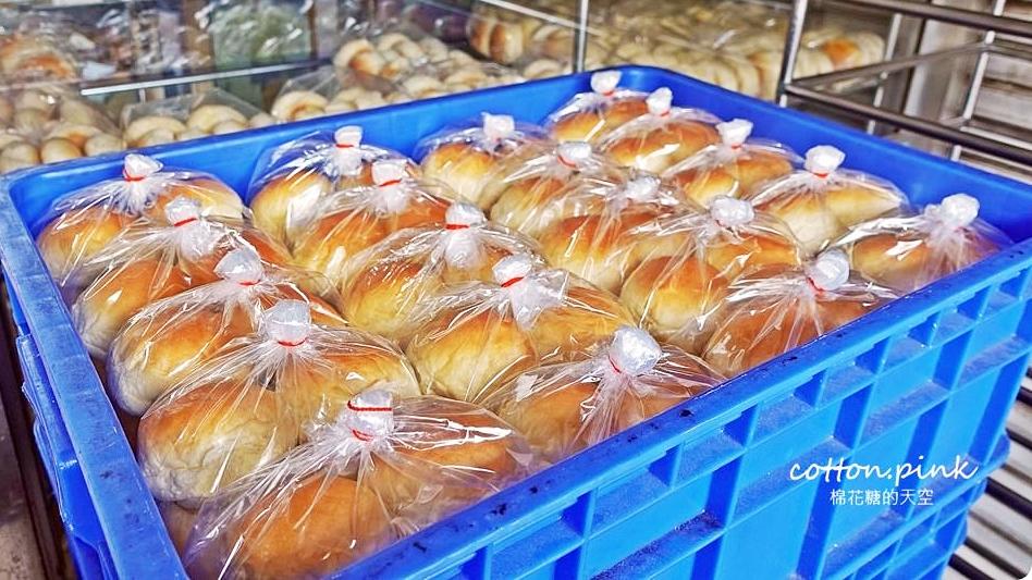 牛排小餐包這裡買!超夯福星食品行小圓餐包就在台中南區