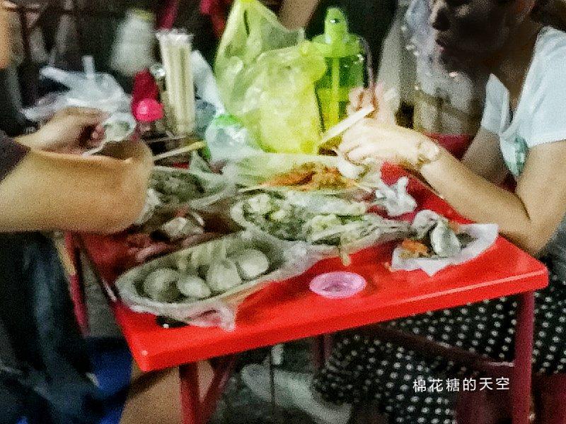 台中旱溪夜市超狂烤海鮮-發哥現烤每一桌桌上都是滿到不行