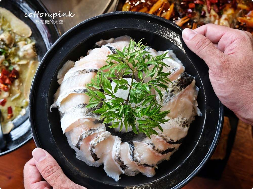 逢甲夜市麻辣首選-漁知香,招牌木桶魚看起來無害喝一口就爆發!