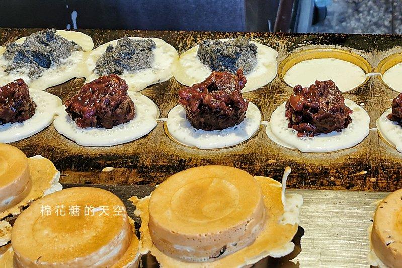 超多料十月紅豆餅開到台中市區啦!東勢排隊美食~不用翻山越嶺也吃得到