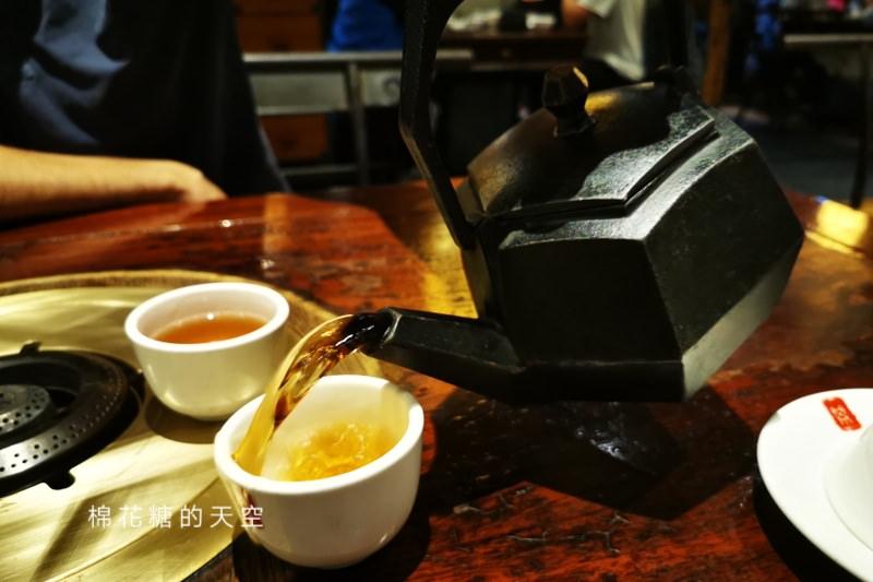 台中麻辣鍋傳奇-鼎王麻辣鍋,鴨血豆腐吃到飽、雙辣度鴛鴦鍋不加價、醬料一定要加滿滿的……