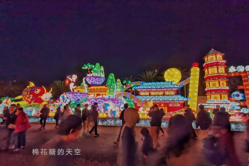 20200210160426 49 - 台灣燈會后里馬場燈區每晚都有高空特技表演~免費入場超好看!