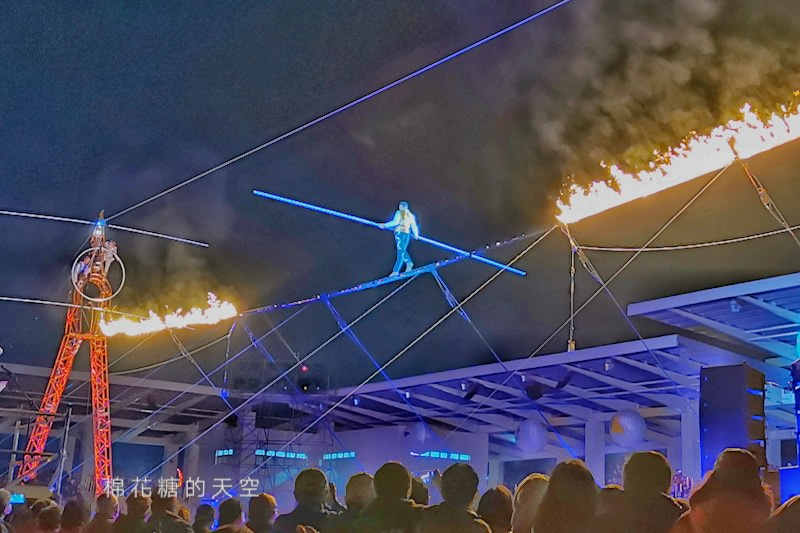 20200210160427 11 - 台灣燈會后里馬場燈區每晚都有高空特技表演~免費入場超好看!