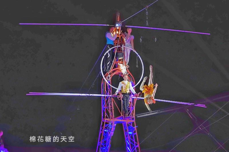 20200210160429 93 - 台灣燈會后里馬場燈區每晚都有高空特技表演~免費入場超好看!