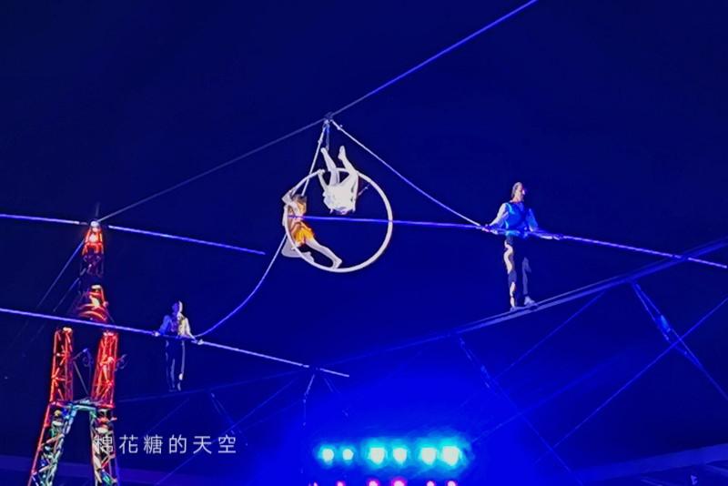 20200210160430 66 - 台灣燈會后里馬場燈區每晚都有高空特技表演~免費入場超好看!