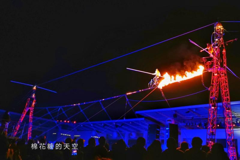 20200210160433 8 - 台灣燈會后里馬場燈區每晚都有高空特技表演~免費入場超好看!