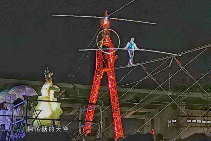 20200210160446 3 - 台灣燈會后里馬場燈區每晚都有高空特技表演~免費入場超好看!