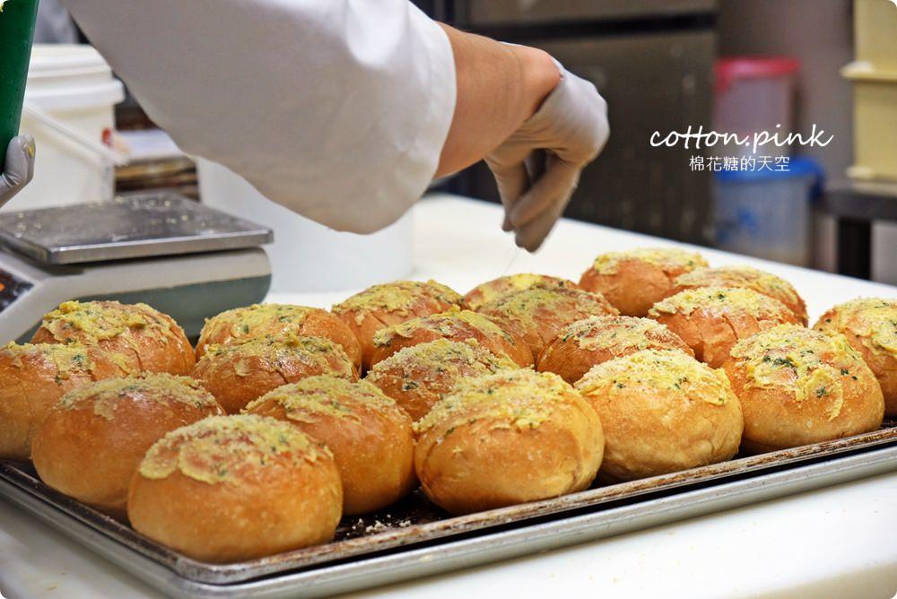台中麵包推薦- 韓國最夯的蒜香包巴蕾麵包改良過~牽絲更好吃