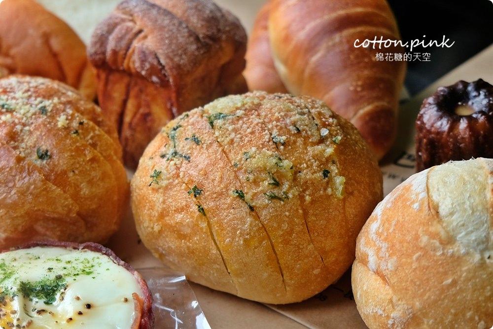 20200314162739 14 - 熱血採訪│韓國最夯的蒜蒜包!巴蕾麵包改良過,鹹甜鹹甜牽絲更好吃