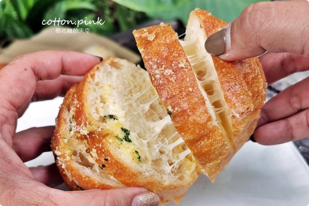 20200314162752 73 - 熱血採訪│韓國最夯的蒜蒜包!巴蕾麵包改良過,鹹甜鹹甜牽絲更好吃