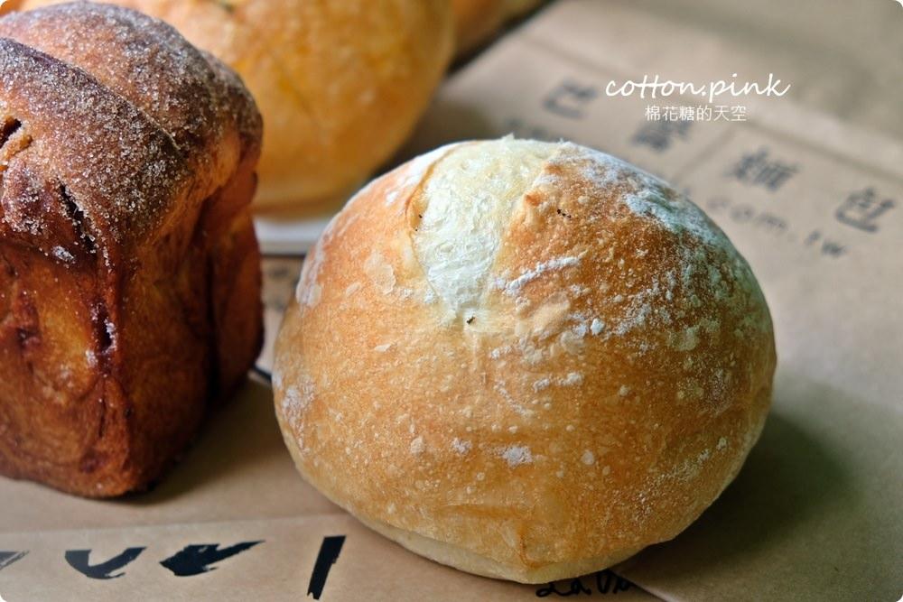 20200314162756 26 - 熱血採訪│韓國最夯的蒜蒜包!巴蕾麵包改良過,鹹甜鹹甜牽絲更好吃