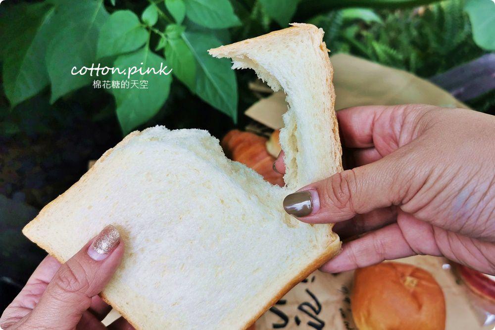 20200314162808 98 - 熱血採訪│韓國最夯的蒜蒜包!巴蕾麵包改良過,鹹甜鹹甜牽絲更好吃