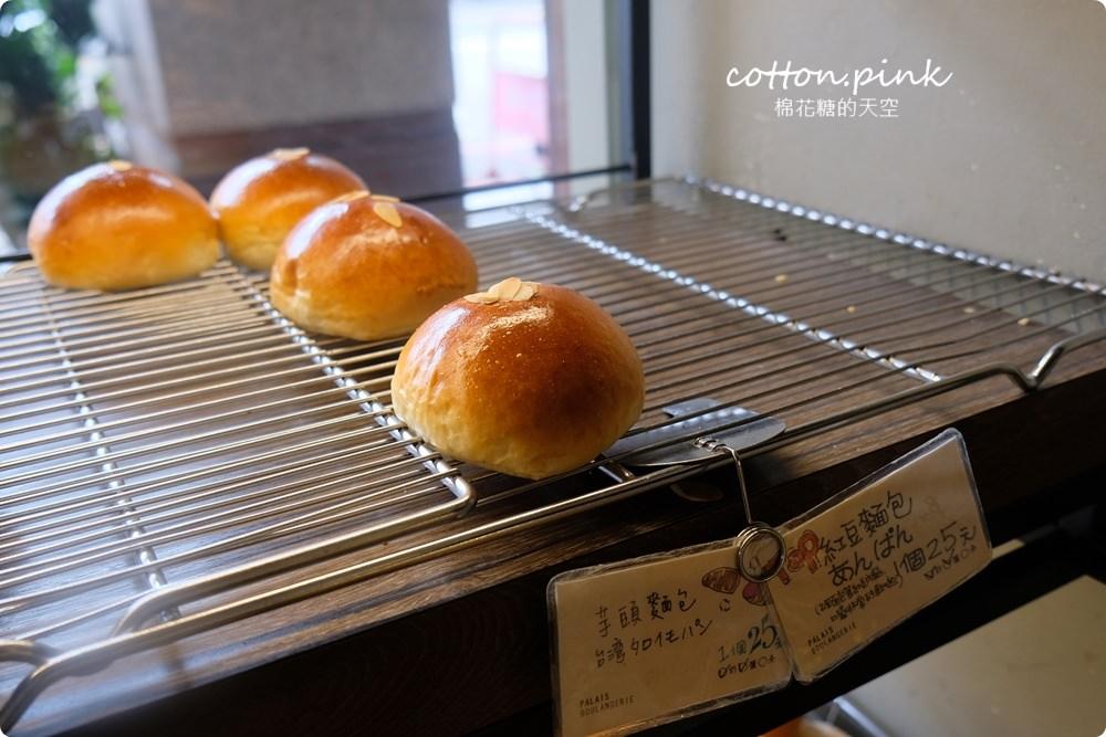 20200314162824 70 - 熱血採訪│韓國最夯的蒜蒜包!巴蕾麵包改良過,鹹甜鹹甜牽絲更好吃