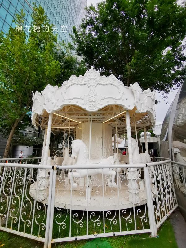 台中最新文青風純白遊樂園超好拍~旁邊就是超人氣喬巴特賣會