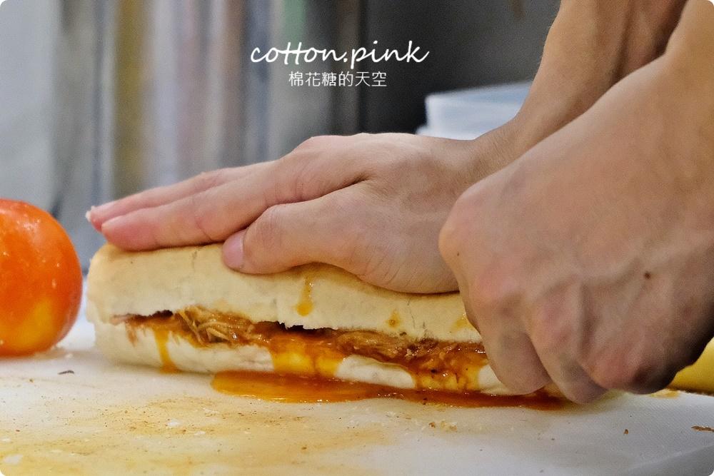 台中海線最新美食推薦|瘋狂傑克凌晨兩店都吃得到美式好料,古巴三明治好吃到沒朋友、現做荷蘭鬆餅外面吃不到
