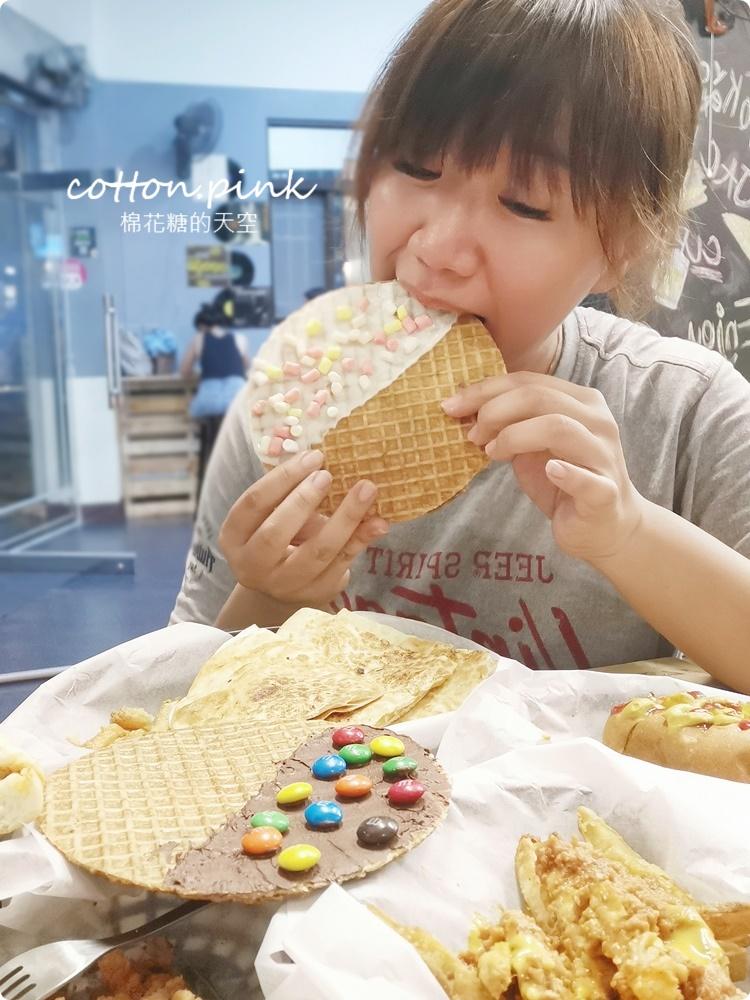 台中海線最新美食推薦|瘋狂傑克古巴三明治好吃到沒朋友、現做荷蘭鬆餅外面吃不到,凌晨兩點都吃得到美式好料