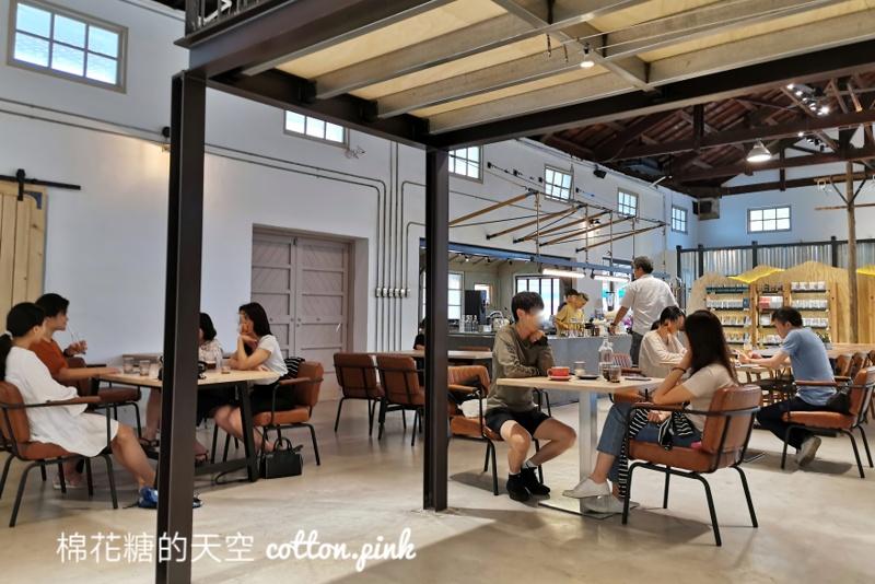 豐原最新喝咖啡好去處~穀倉改建咖啡廳憬初尋超好拍