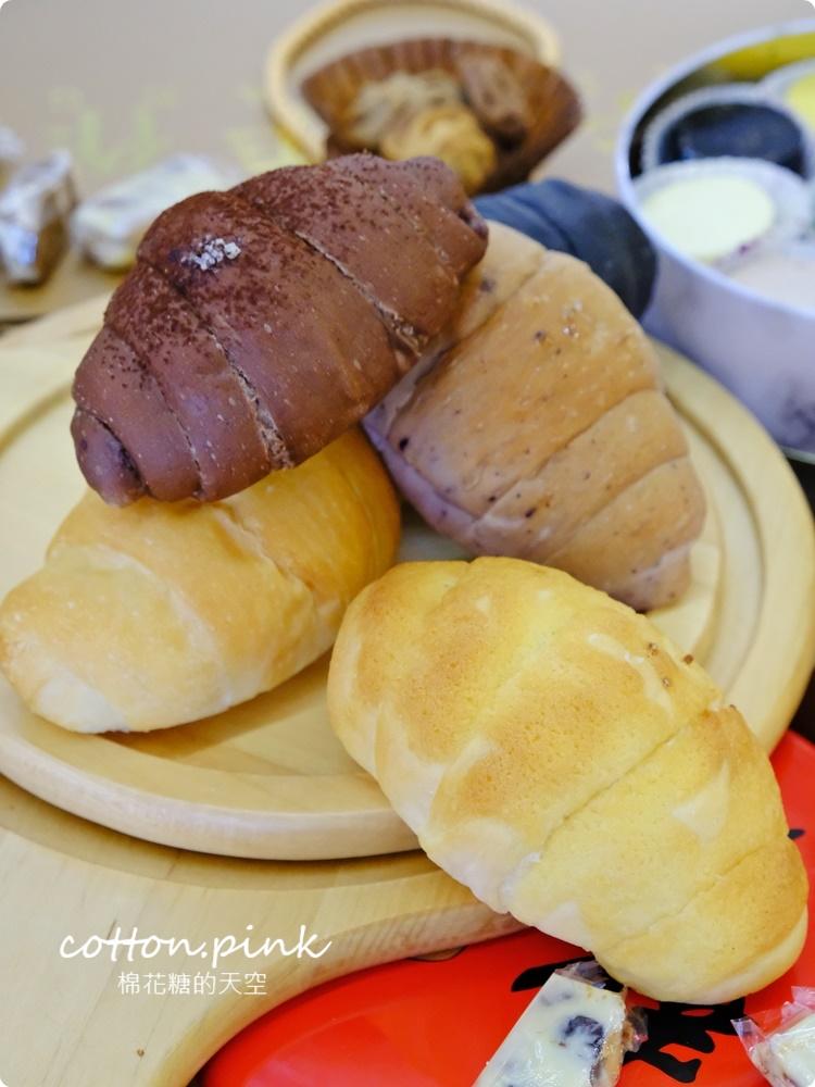 不只極黑~奶酥、乳酪鹽可頌也太好吃了吧!一中牛胖最新推出彩色起司蛋糕禮盒超美必吃~