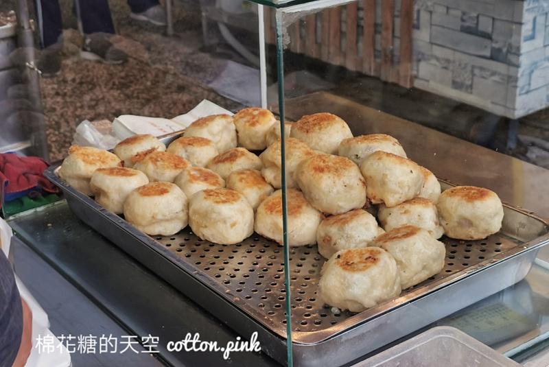 台中下午茶選這家!江媽媽水煎包每天都排隊~排隊美食吃起來